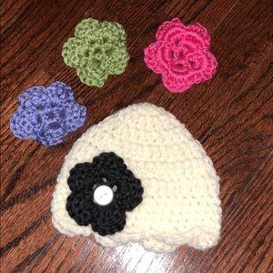 Other - NWOT - NEVER WORN Baby girl crochet hat